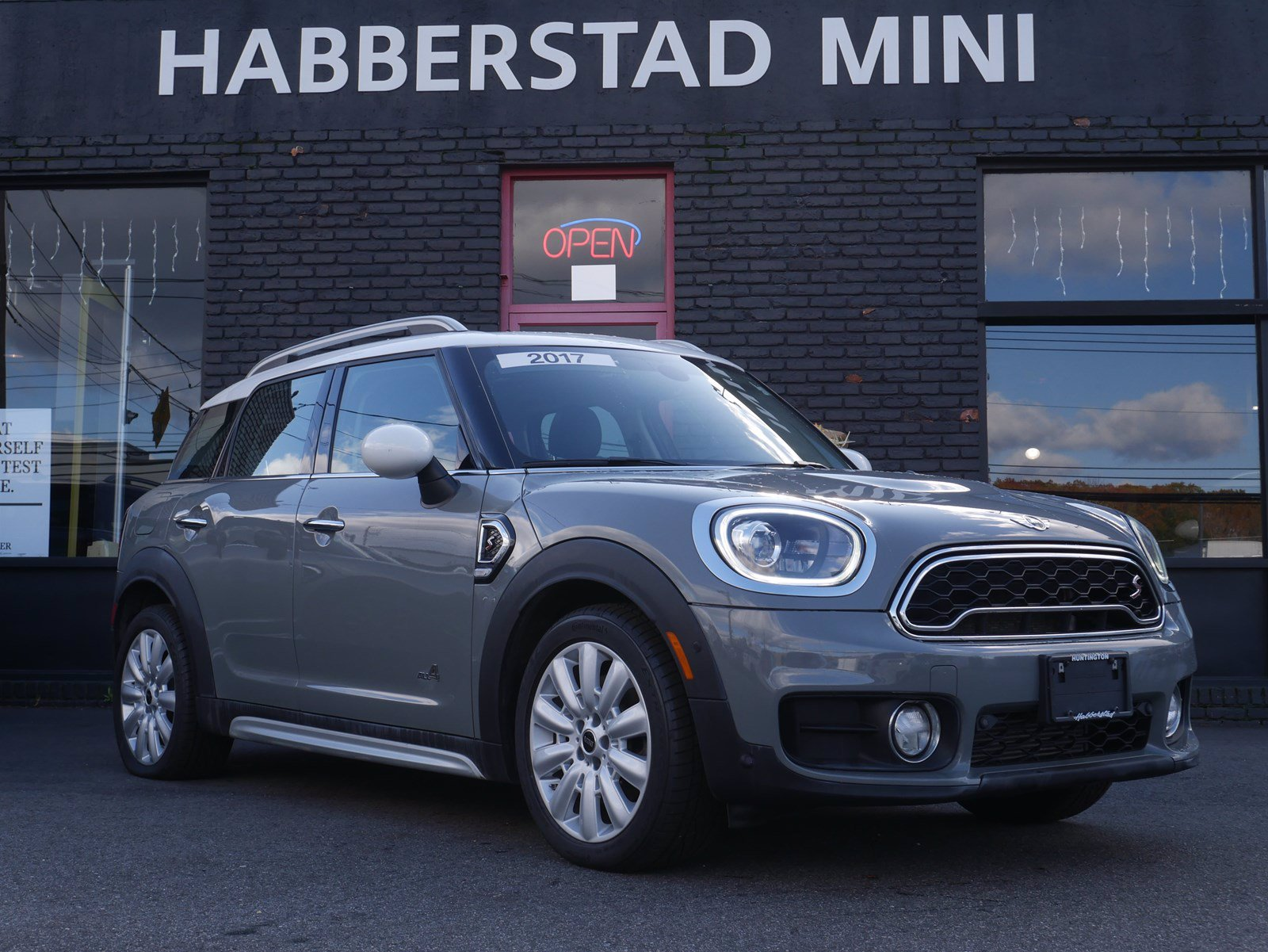 Pre-Owned 2017 MINI Countryman Cooper S
