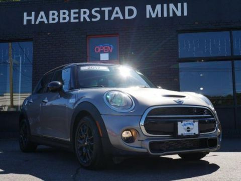 Pre-Owned 2017 MINI Hardtop 4 Door Cooper S FWD